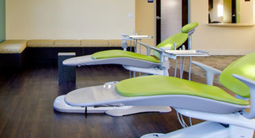 Dentists in Alwarthirunagar Pearl32 dental spa